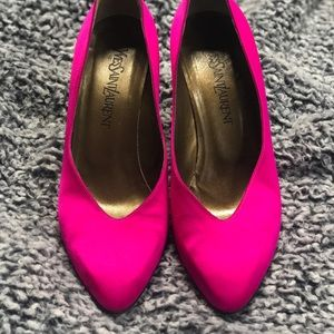 Vintage Yves Saint Laurent pumps *OFFERS WELCOME!*